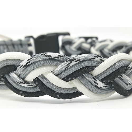 Paracord Dog Collar Review